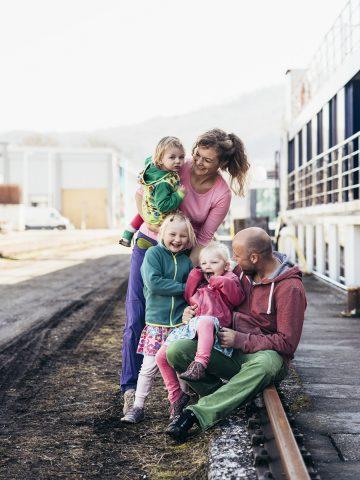 Familiengeschichten-Linzer-Hafen_Sabine-Kneidinger